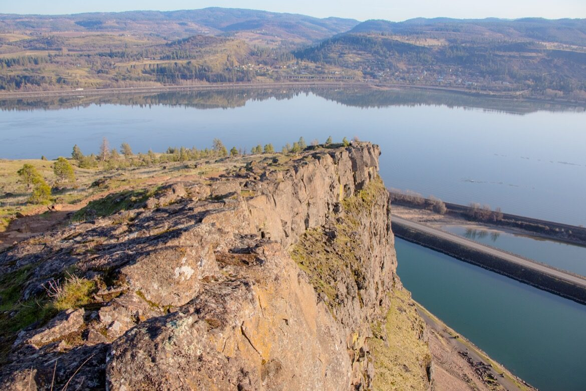 The Coyote Wall hike on Washington's Syncline Trail